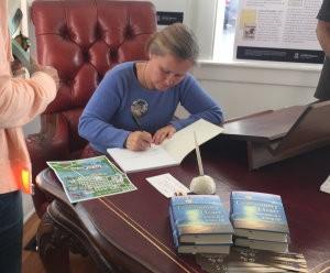 melissaconroy_signing_at_patconroy_desk_blog